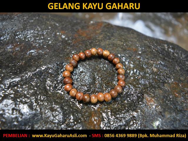 gelang gaharu Kalimantan