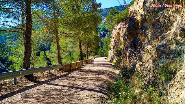 Fuente, humedales de Barchel, Sendes i Muntanyes