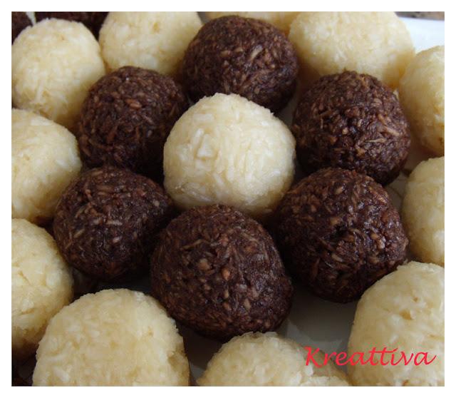 Palline di cocco bianche e al cioccolato fondente