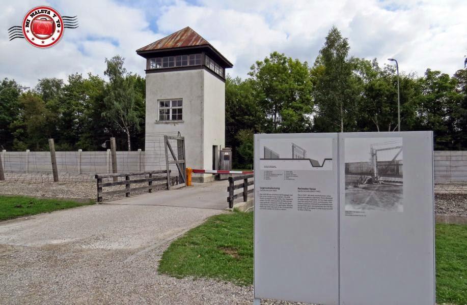 Torre Vigilancia en Campo Concentración Dachau, Alemania