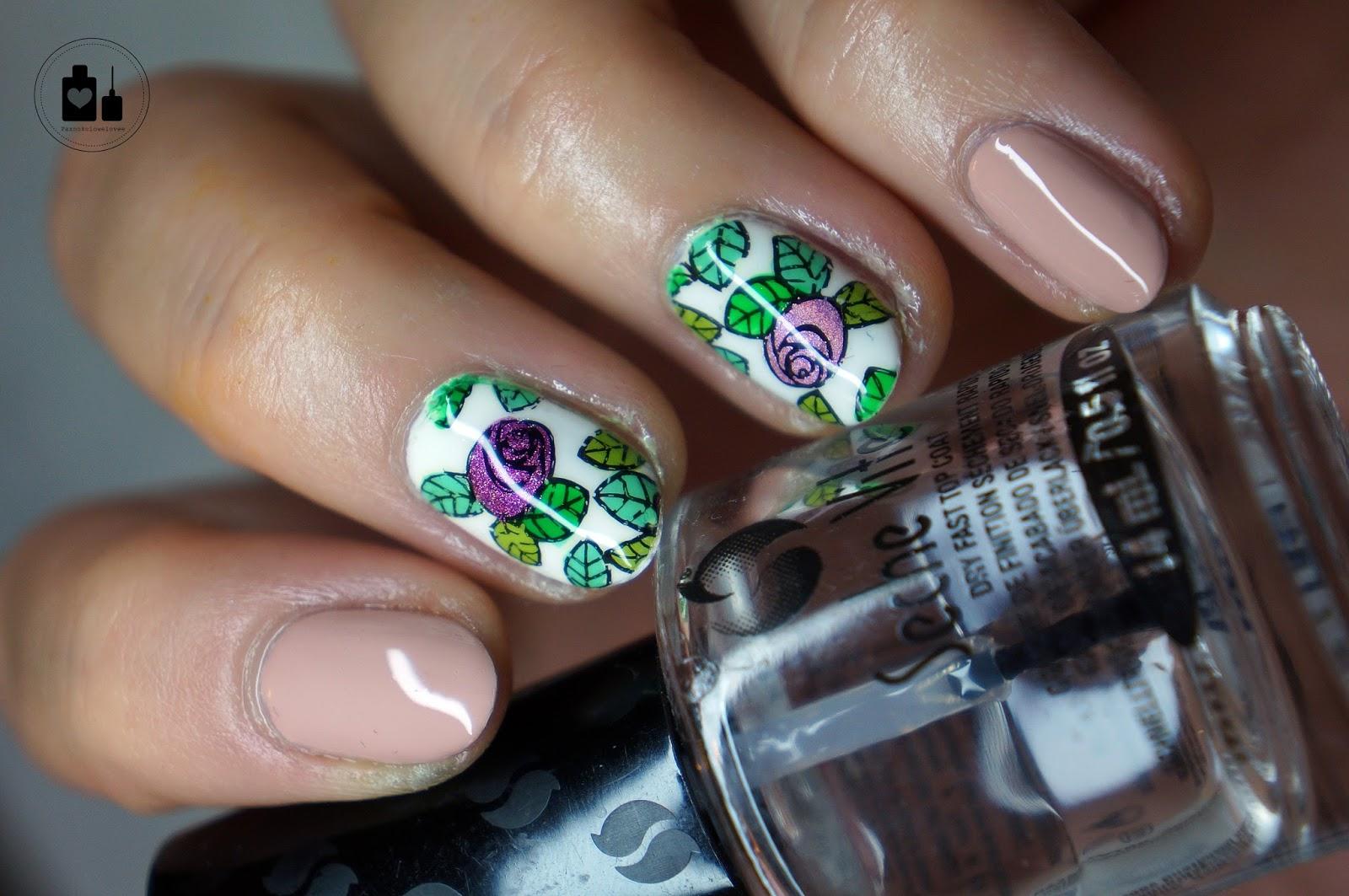Holo róże w towarzystwie China Glaze.
