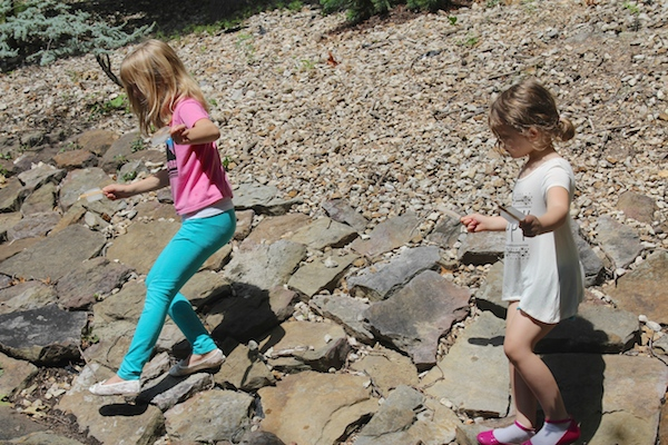Water popsicles - Joss and Jess on rocks (c)nwafoodie