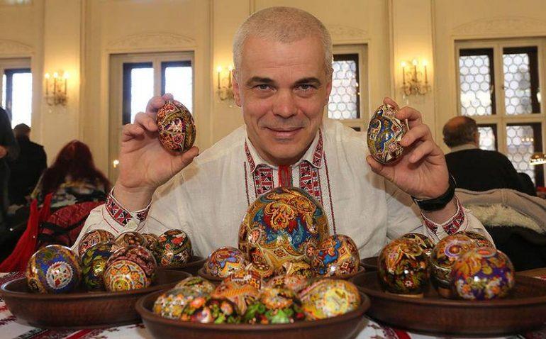 Член нацонально сплки майстрв народного мистецтва украни