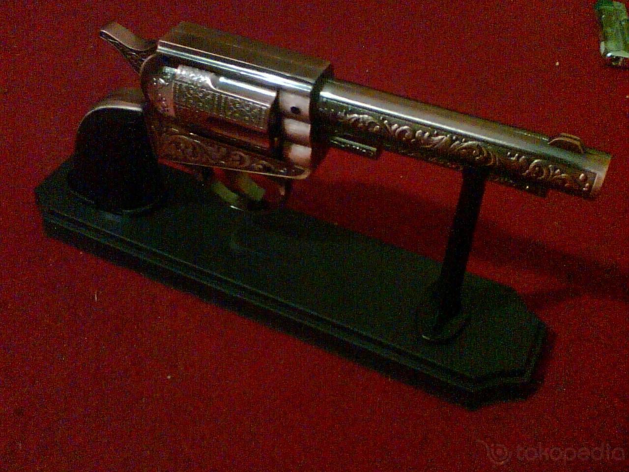 Toko Bazz.com Enterprise: Revolver indian tribal 1868