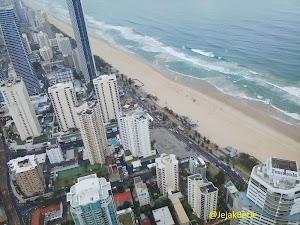 Menikmati Panorama Pantai Gold Coast Dari SkyPoint, Gedung Tertinggi Di Australia