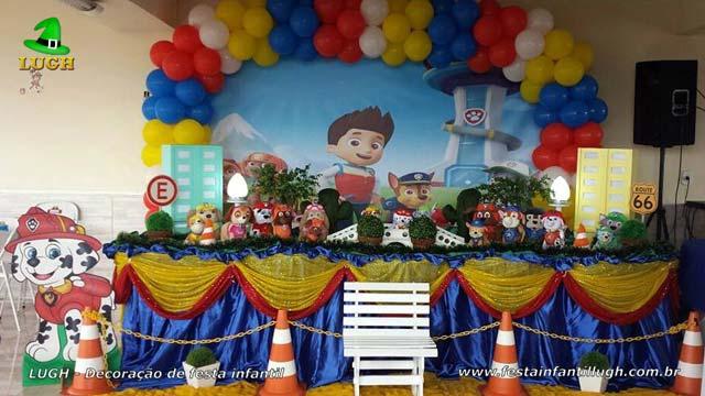 Decoração festa Patrulha Canina - Mesa luxo de tecido decorada em Jacarepaguá - RJ