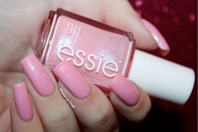"Swatch of ""We're In It Together"" by Essie"