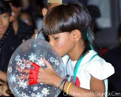 A New Mr. For Mis Smith! Willow Debuts Boyfriend During ...  Willow Smith And Princeton Kissing