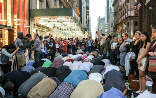 Muslims Take Over New York Street - Start Praying in Front of Trump Tower for Ramadan (VIDEO)