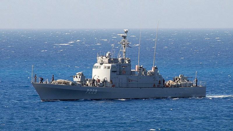 Κατάπλους πολεμικού πλοίου στο λιμένα Καμαριώτισσας Σαμοθράκης