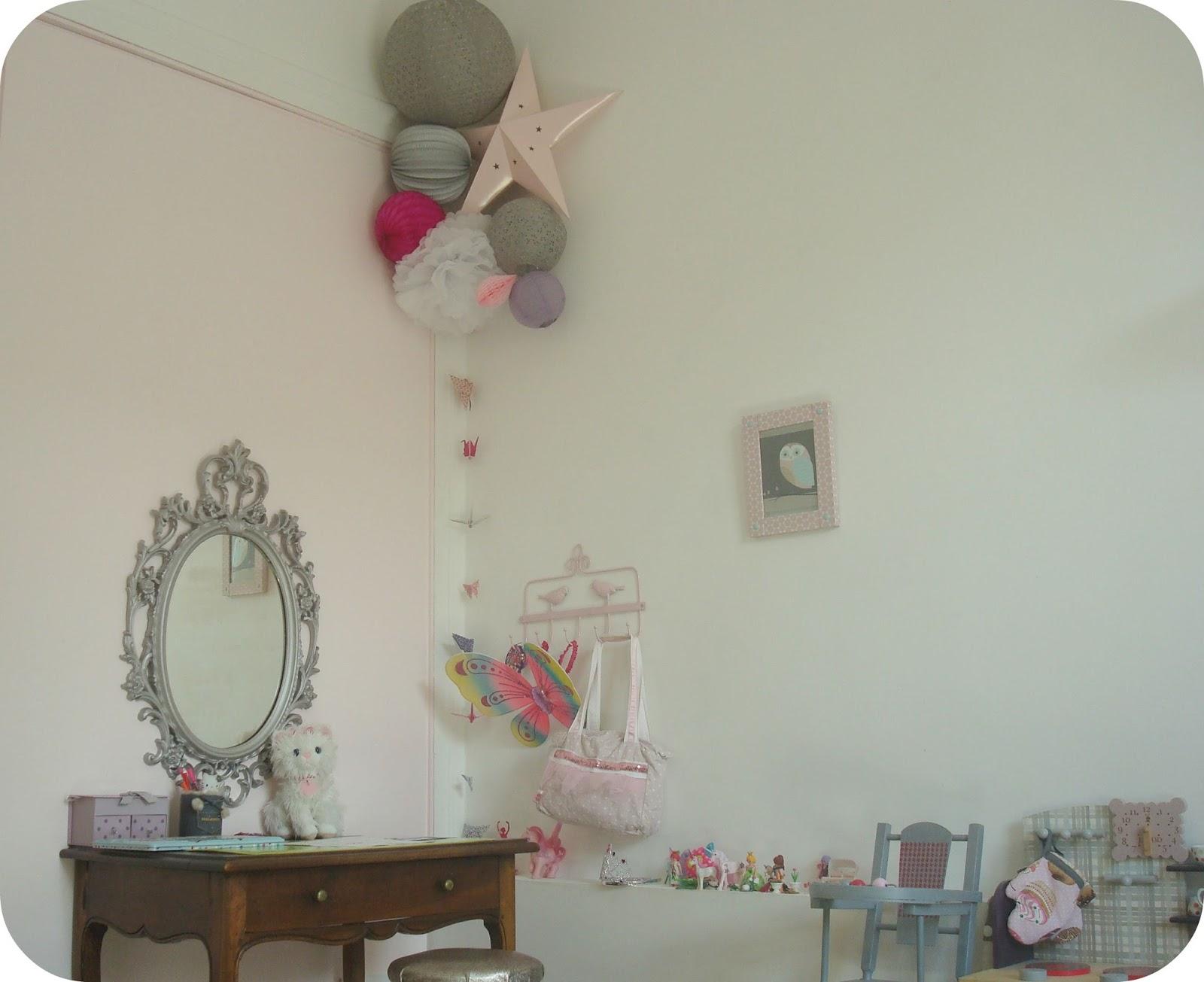 Tadaam  Miroir baroque pour chambre girly