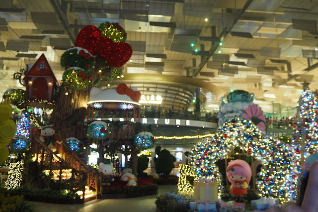 changi airport terminal 3 event light show hello kitty