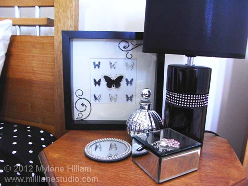Black and white bedside table decor
