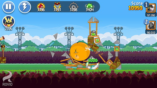 Angry Birds Friends gameplay