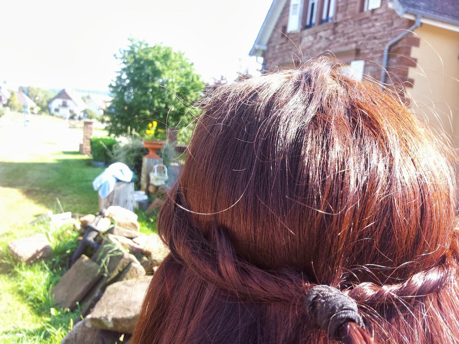 Couleur de cheveux lie de vin