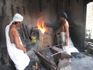 Lelaku dan pembuatan keris pusaka Jawa
