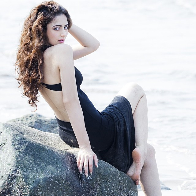 Zoya Afroz in Seashore