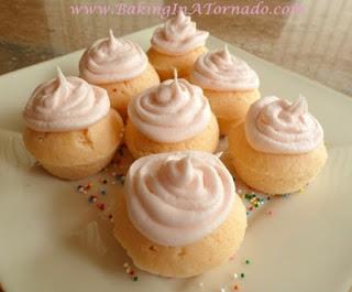 Lemonade Mini Cupcakes | www.BakingInATornado.com