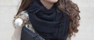 4 maneras de llevar... un foulard negro