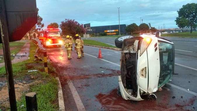 20181115091522632966a%2B%25281%2529 - vários acidente nas vias do DF. Em 10 minutos, duas capotagens são registradas em vias do Distrito Federal