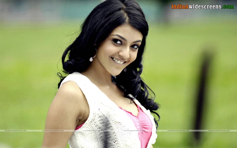 Kajal Aggarwal - A South Indian Actress Hot pics in Shorts Dress