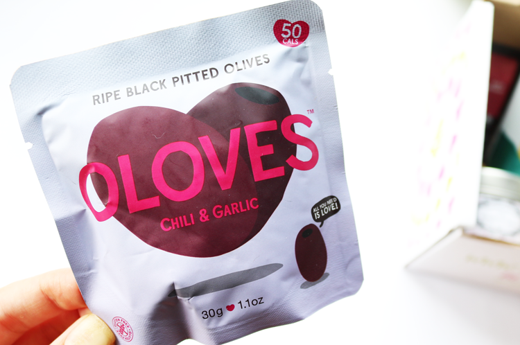 Oloves Chilli and Garlic Black Olives