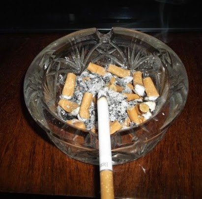 dirty ash tray