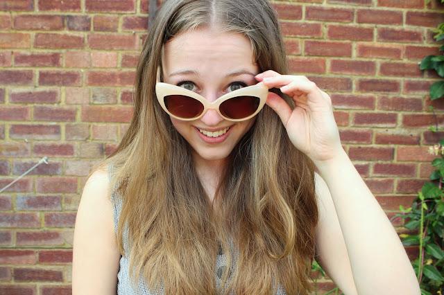 blogger-accessories- inspiration-fashion-sunglasses-punky-fish-cat-eye