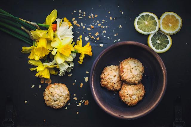 Rezept für leckere Kekse Zitrone Mandel Cookies