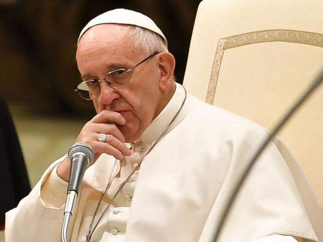 El papa Francisco preocupado por sacerdotes homosexuales