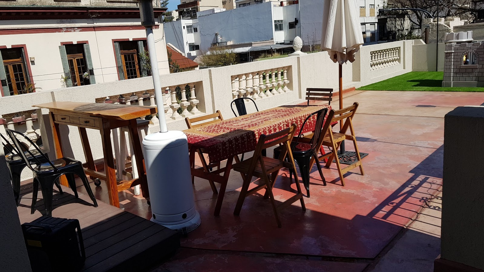 Roof terrace with table