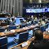 Senado aprova multa para empregador que pagar salário diferente para homem e mulher