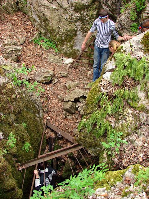 Вход в пещеру Козья, Ай-Петри