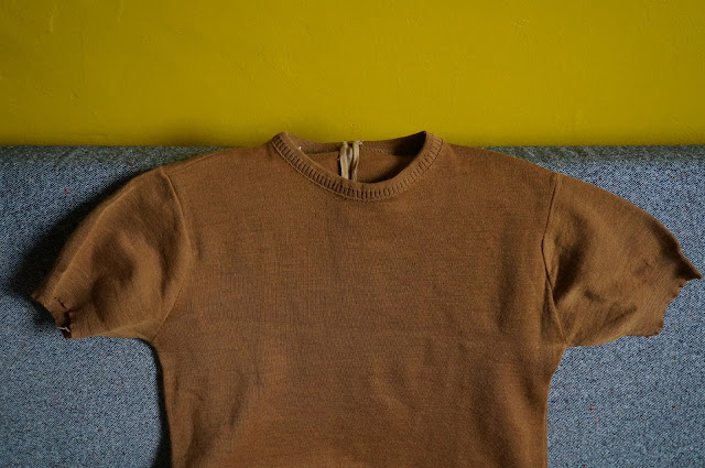 un pull mc des années 60  60s knit sweater top 1960s shirt mod