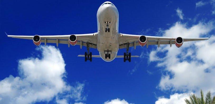 Panico su volo aereo Vienna-Tel Aviv: turbolenza provoca 5 feriti tra i passeggeri.