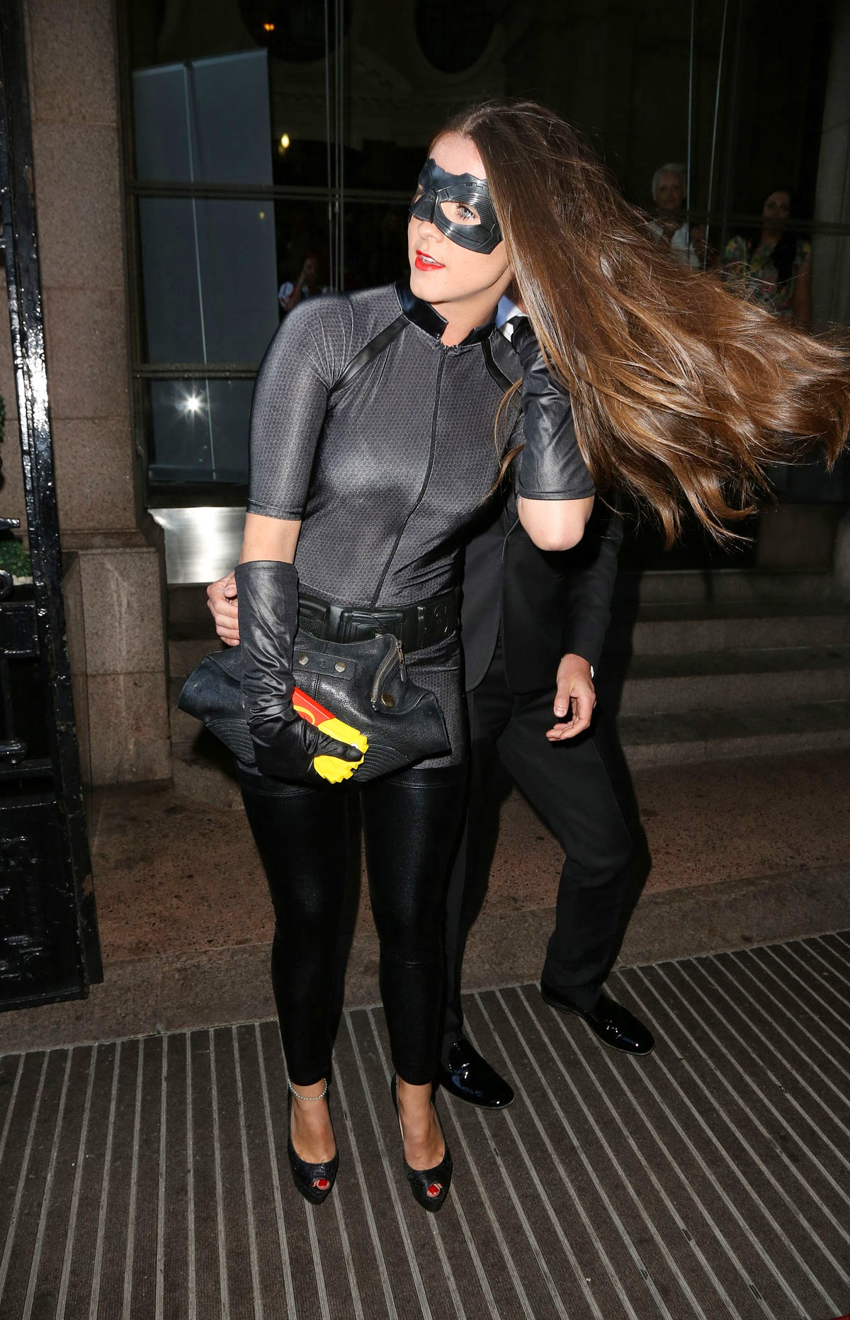 Anne hathaway as catwoman great ass - 2 part 1