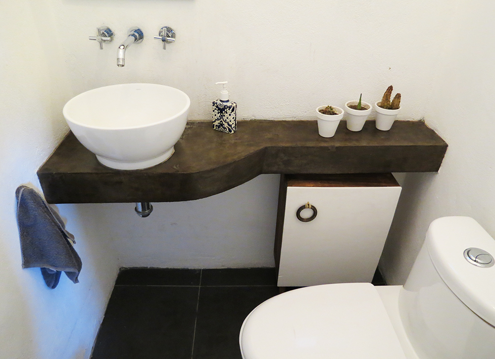 How to build a bathroom storage