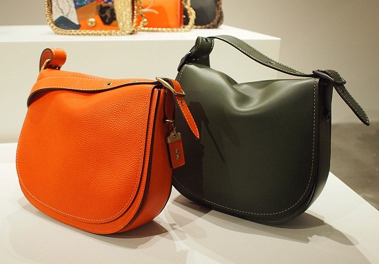 Tas selempang model saddle bag