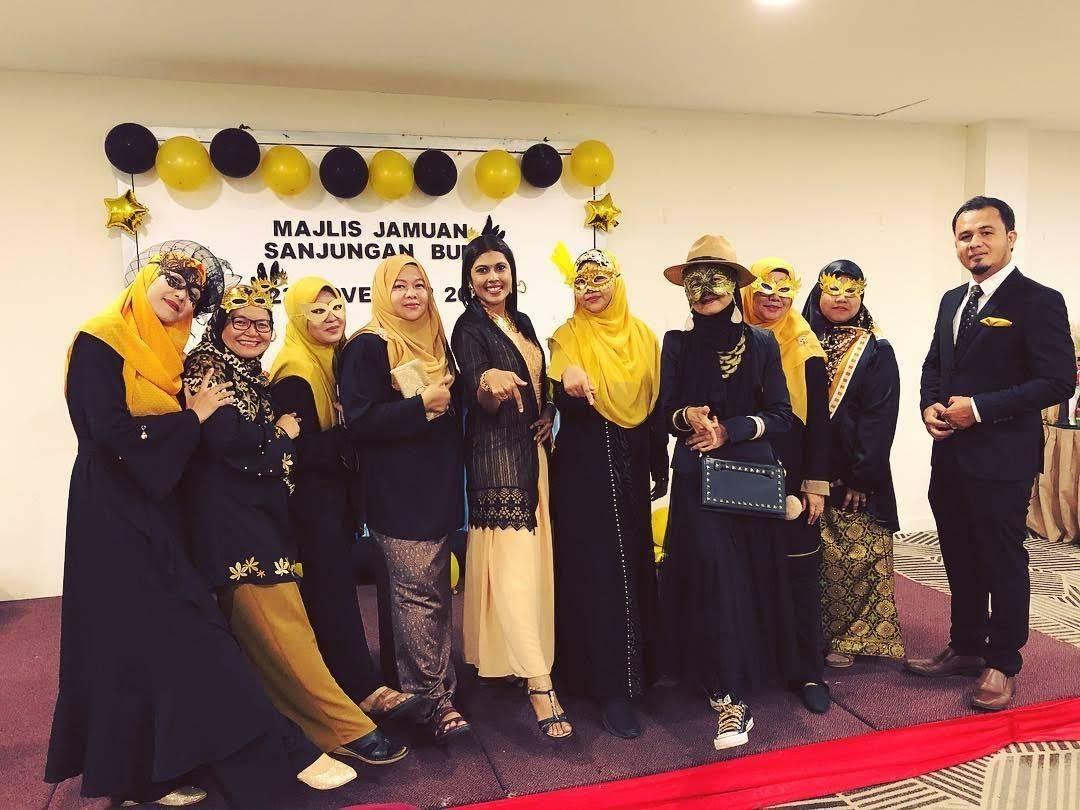 Majlis Dinner Sekolah Dengan Tema Black And Gold Masquerade Yang Sangat Meriah Blog Cik Matahariku