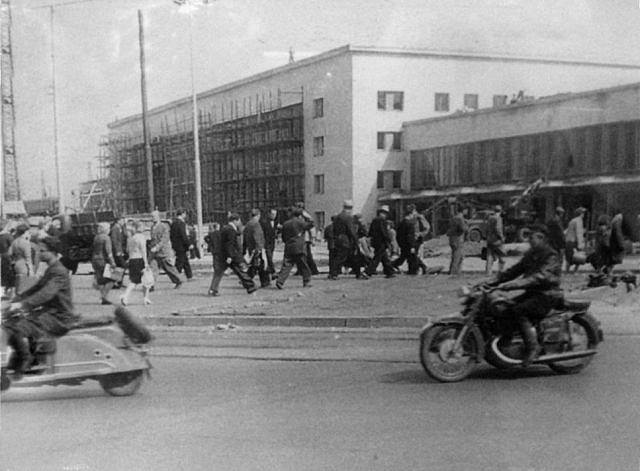 1960 год. Рига. Идет строительство нового здания Центрального ж/д вокзала.
