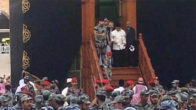 Allahu Akbar, Bisa Sholat Dalam Ka'bah, Orang Indonesia Ini Menangis Terharu