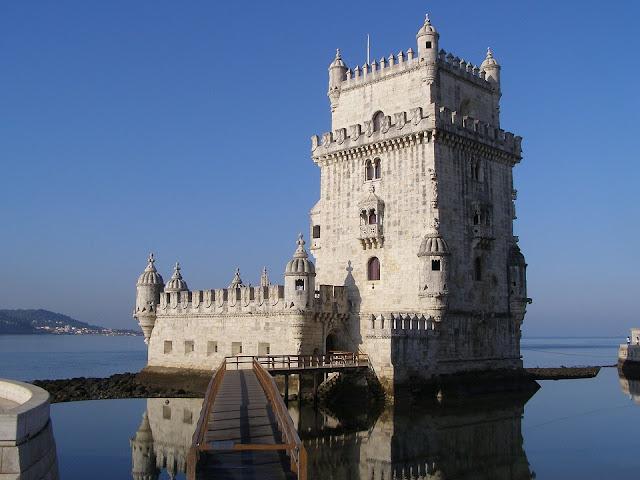 Torre de Belém já foi usada como base de defesa,prisão, aduaneiro, farol.