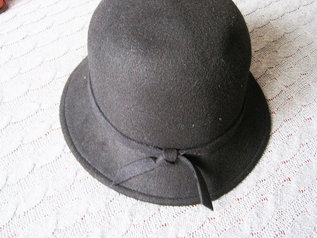 www.zaful.com/winter-casual-long-band-felt-fedora-hat-p_218411.html?lkid=17770