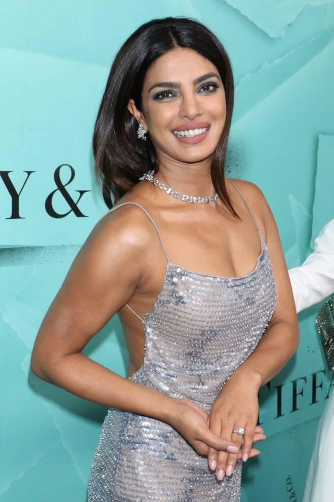Bollywood Actress Priyanka Chopra Hot Photos | Photos