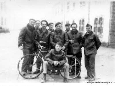 Album Photos anciennes noir et blanc guerre 1939-1945.