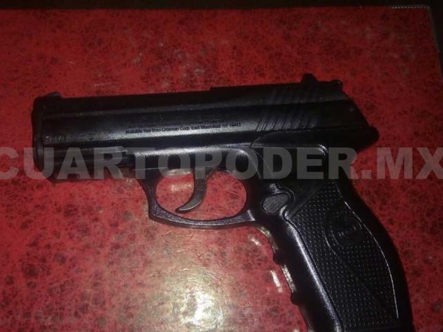 Capturados por portar arma y violencia