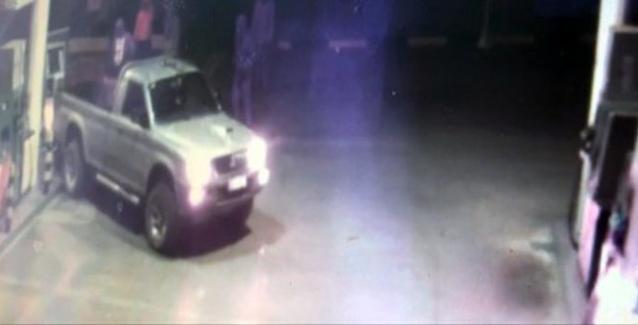 Αποκαλυπτικό video: Σπείρα διαρρηκτών εμβόλισαν και ξήλωσαν τον πωλητή καυσίμων τα ξημερώματα στο Αγρίνιο..