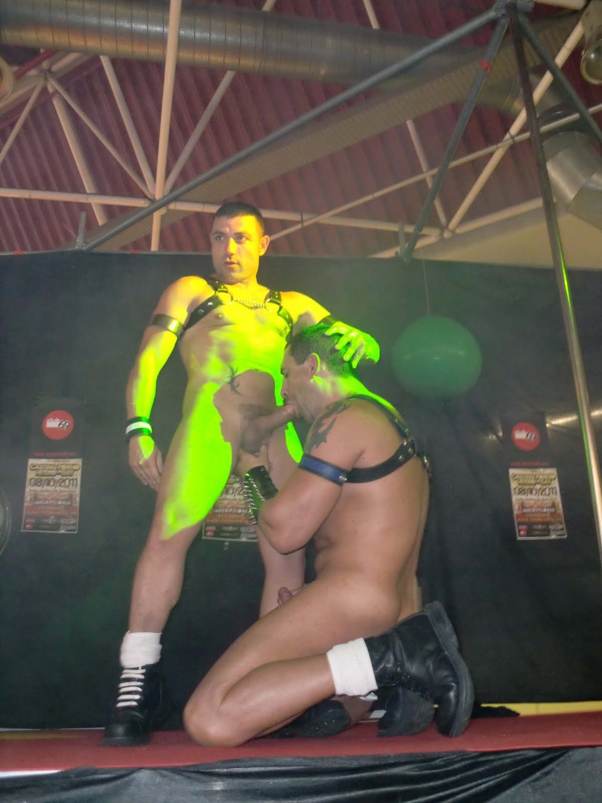 Turbo leon y manuperronash gay fuck on stage sem 2015 - 3 part 4