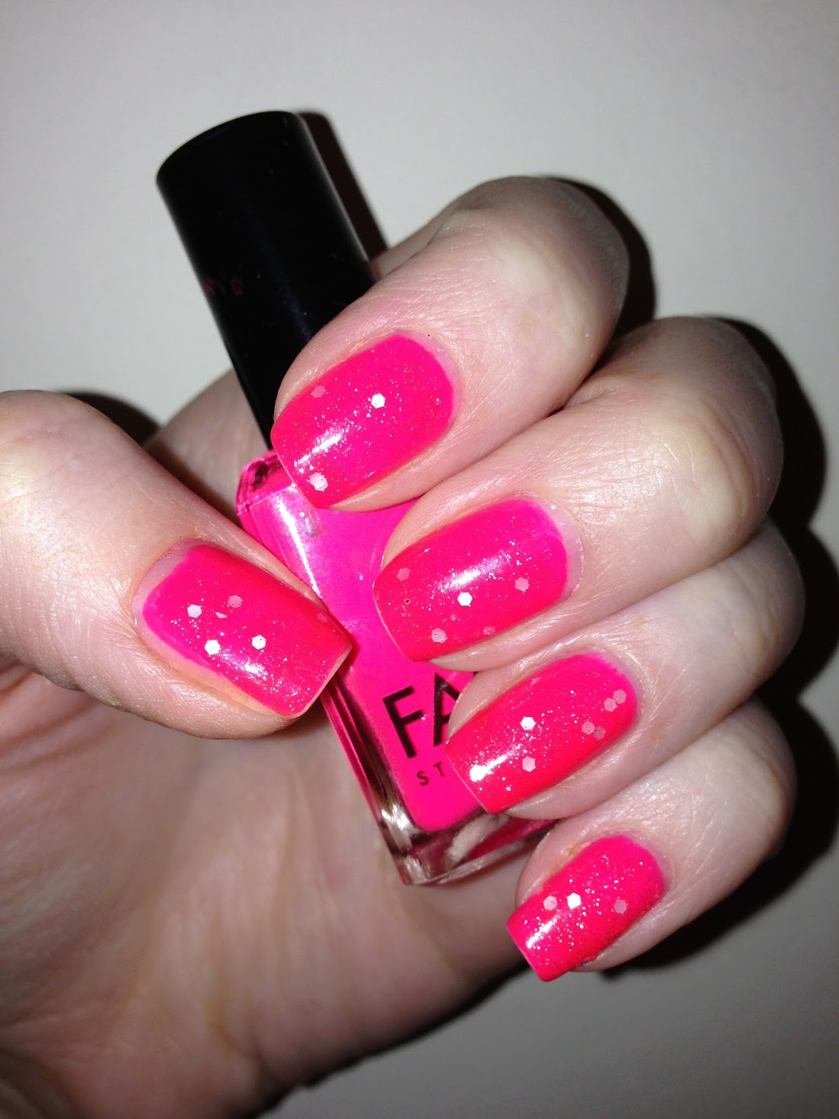 NailsByNumbers: NOTD! Loud and Subtle - Neon Pink with OPI's