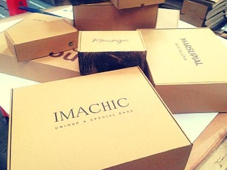 cajas para tiendas online de ropa y complementos.